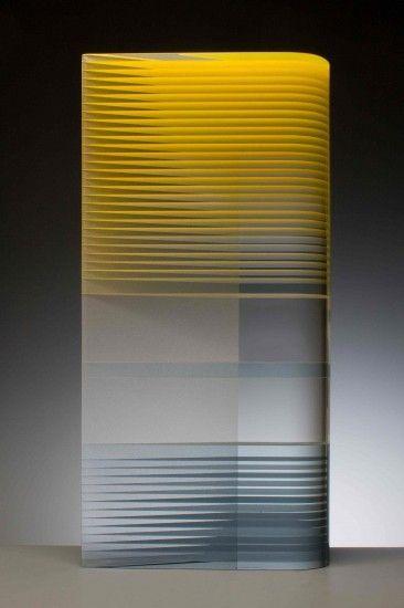Night and Day, 2014, verlijmd en geslepen glas met emailleverf, 62x30x10cm (Wesley Rasko)