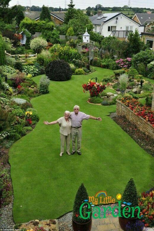 Egal Ob Sie Die Landschaft Die Sie Lieben Verbessern Mochten Nehmen Sie Beste Garten Beautiful Gardens Small Backyard Landscaping Backyard Landscaping