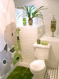 Une tr s petite salle de bain d cor pour les appartements for Tres petite salle de bain