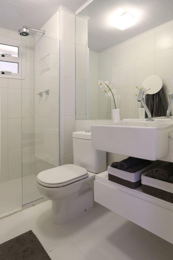 Armário banheiro.