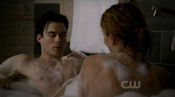 Never get enough of wet & soapy Ian ;)