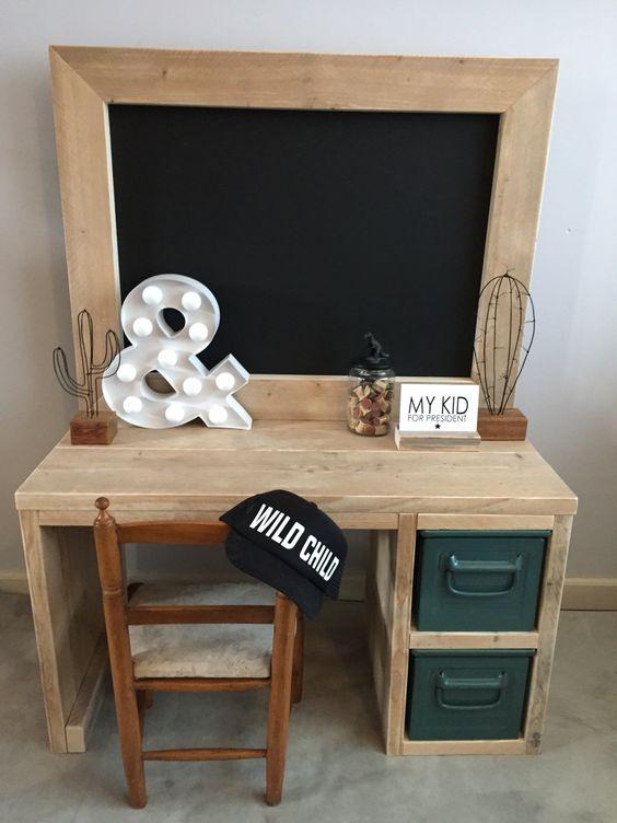 Kids playtable , steigerhout bureau voor kinderen met krijtbord