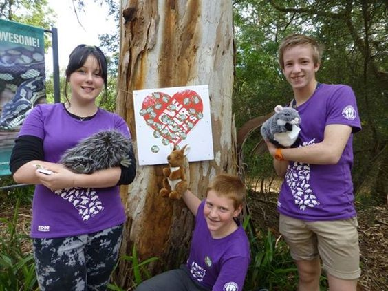 Our Youth at the Zoo members were at Healesville Sanctuary recently, asking visitors to 'Wipe for Wildlife' and pledge to use recycled toilet paper.   Youth at the Zoo is an education program targeted at 13-18 year old students who want to help fight extinction. The program provides members with a range of education and conservation activities they can participate in over the school holidays.  For more information, visit http://www.zoo.org.au/yatz