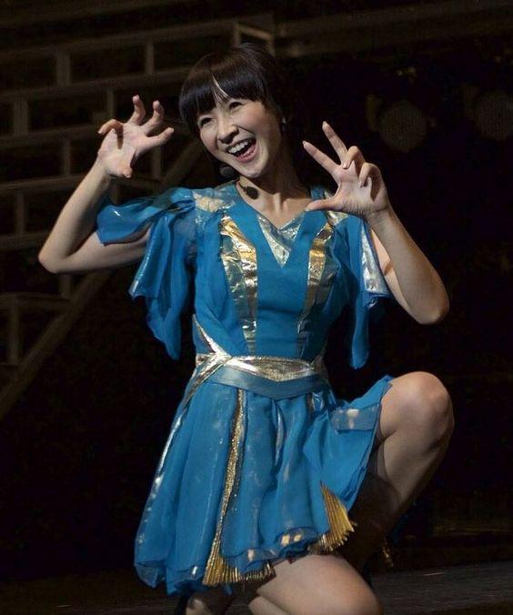 笑ってダンスをしてるかしゆかのかわいい画像
