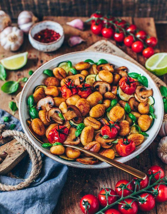 Gnocchi vegetable stir-fry (vegan)