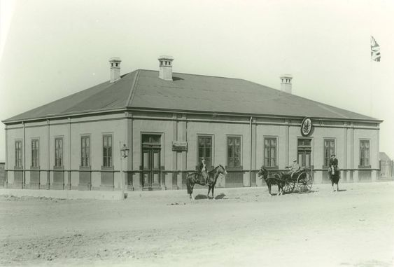 The branch of the Banco de Tarapacna in Rio Gallegos was widely credited to be robbed by Butch Cassidy and the Sundance Kid