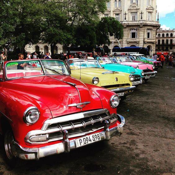 Habana Vieja #Cuba. Pura magia! El mejor viaje. #hayqueir #habana #classiccar #bestvacations #bestplace by nsanchezg