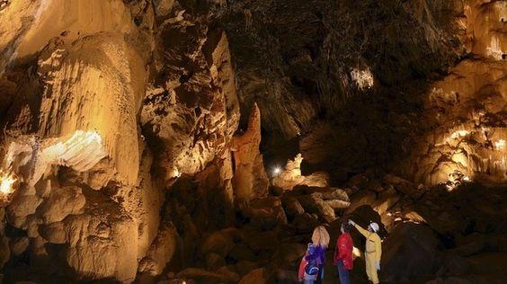 Limestone Cave, Vallorbe