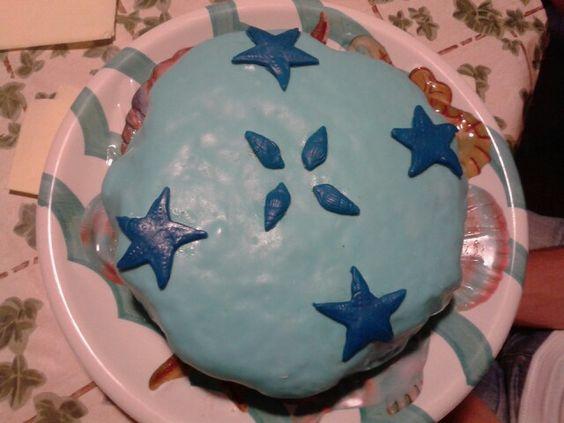 Torta di compleanno del mio bimbo al mare. Conchiglie e stelle marine.
