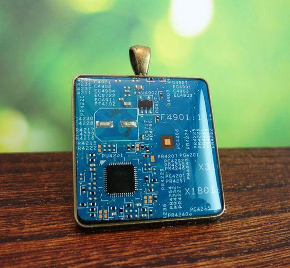 Circuit board pendant