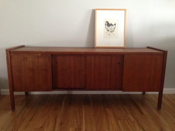 This is the type of credenza I want mid century walnut credenza in Studio City, Los Angeles ~ Apartment Therapy Classifieds