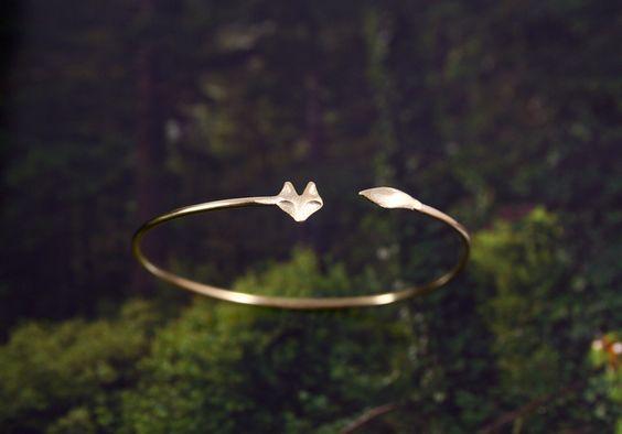 * Fox bangle (gold)