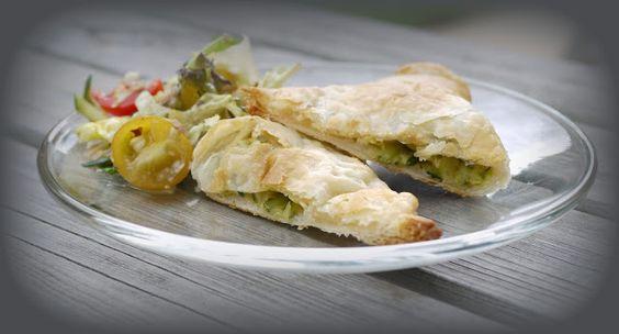 Experimente aus meiner Küche: Blätterteigtaschen mit Zucchini und Feta