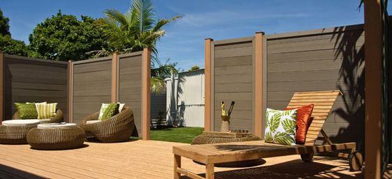 Datenschutz Zaun ist ein schöner Weg, um unerwünschte Augen von zu Hause oder im Garten zu halten. Diese sind in …