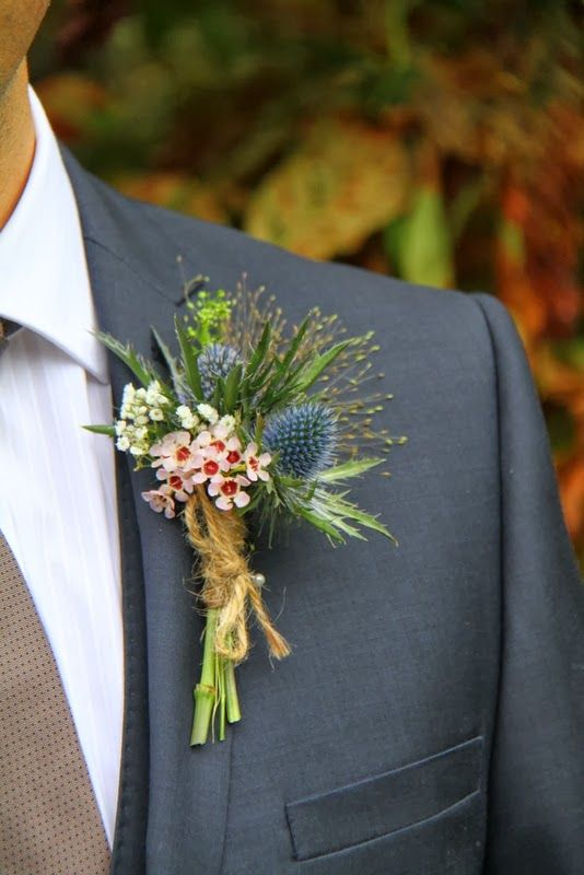 The Groom's Autumn Boutonniere: fabmood.com