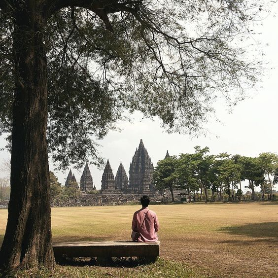 Candi Prambanan, Yogyakarta. Photo by @willyjuliantoo #livefolkindonesia #liveauthentic #exploreindonesia