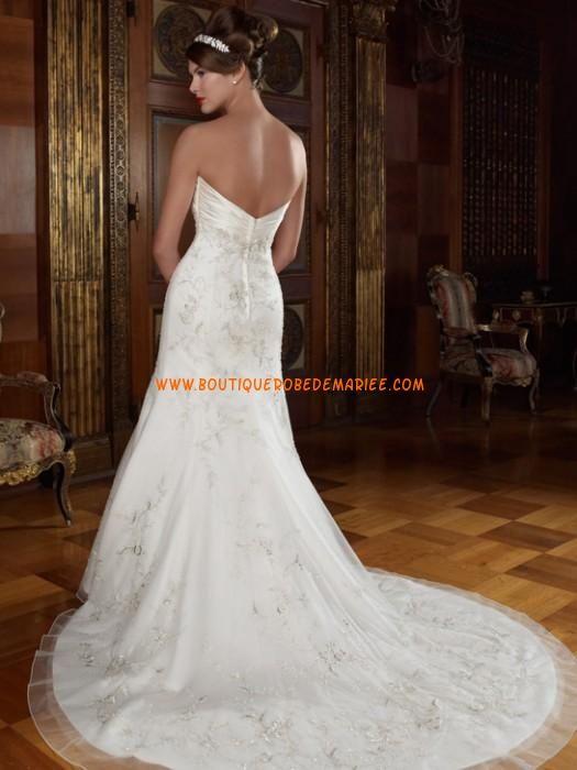 Robe de mariée sirène garnie de broderie