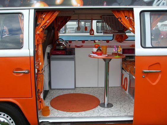 Image gallery kombi vw camper interiors for Kombi van interior designs