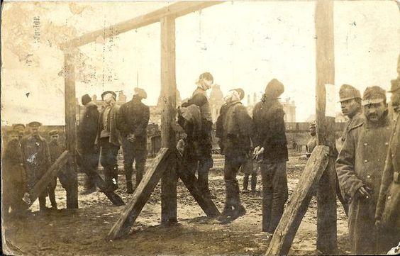 des soldats allemands et des soldats autrichiens (?,est..)