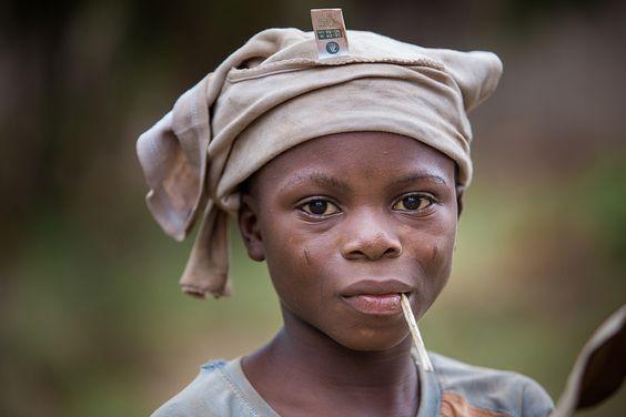 Benin: enfant à Abomey.