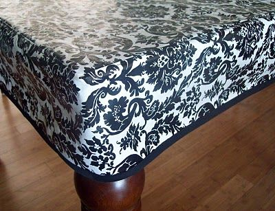 Fitted vinyl tablecloth ... I NEED this!