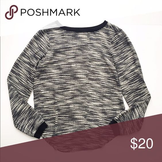 Lou & Grey printed top Long sleeved printed top from Lou & Grey, size XS. Neckline and sleeves are a contrasting stretchy black knit, the rest of the shirt is a lightweight printed silk like material. Shirttail hem. Runs a little large, would fit a small also. Like new! Lou & Grey Tops