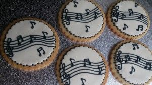 music cookies with marzipan and RI notes