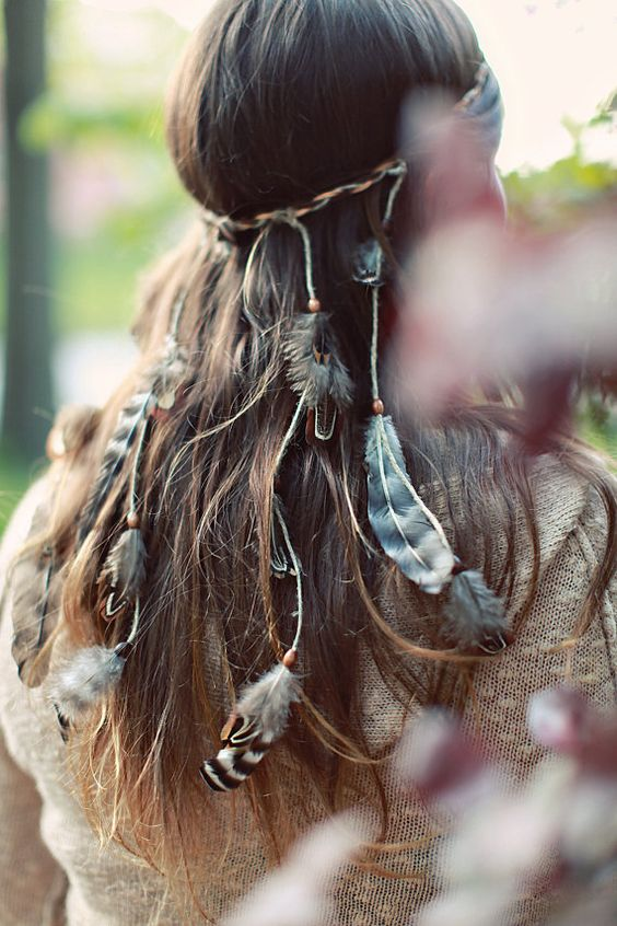 Boho chic gypsy trend modern hippie feather headband. For MORE Bohemian inspiration FOLLOW http://www.pinterest.com/happygolicky/the-best-boho-chic-fashion-bohemian-jewelry-gypsy-/: