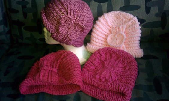 Free Crochet Ribbed Cable Cloche Pattern.