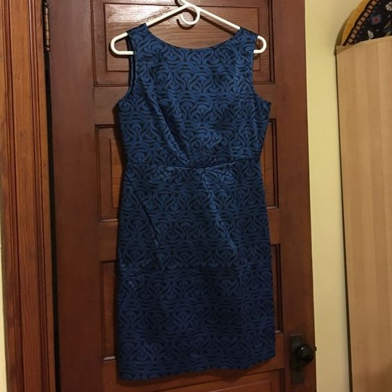 Banana republic black & blue patterned sheath  8P Sheath dress, size 8 petite. Zip up back. Can wear on own in summer or with a cardigan and tights in winter. Banana republic factory. Banana Republic Dresses