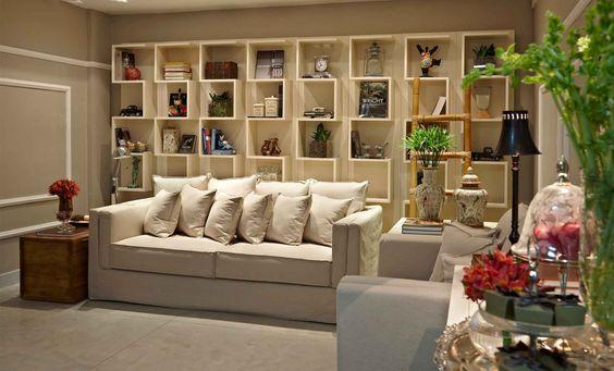 Detalhe:sofá pleno Lider com capa.
