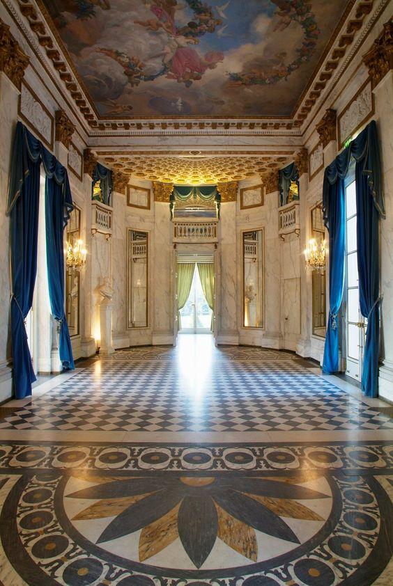 Chateau Mme Du Barry   interieur du Château de Madame du Barry Credit: Patrick Baud