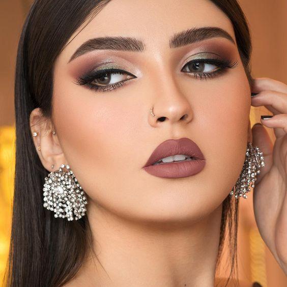 Pin By Eamon Craven On Face Beautiful Lipstick Smokey Eye Makeup Wedding Hair And Makeup