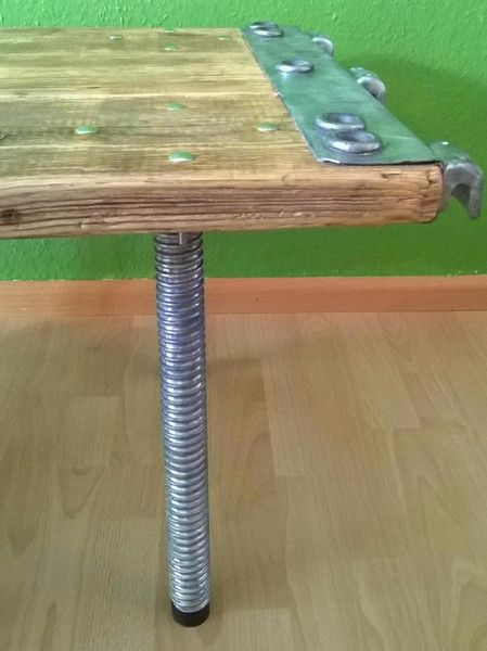 Upcycling Couchtisch Industrie Style von Upcycling