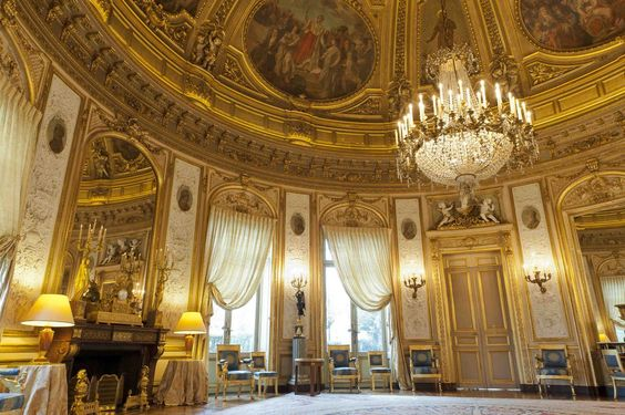 PALACE OF THE LEGION OF HONOR~ Hotel de Salm, salle d'honneur, Paris, built between 1782 and 1787 by the architect Pierre Rousseau.