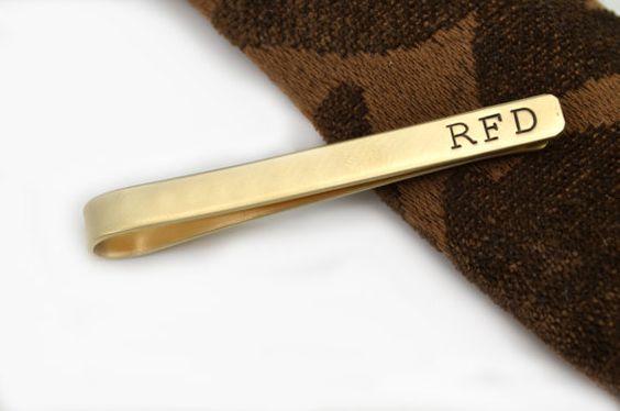 Tie Tack, Tie-Clip, Tie Bar personifiziert, Messing, Gold Farbe, Vater der Braut Gabe, Hand Stempel Tie-Bar, Hochzeit, Groomsmen Gift