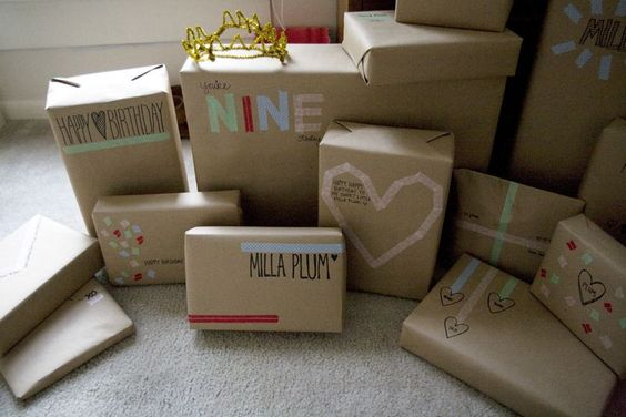 Gift wrapping with washi tape