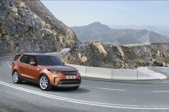 Negen USB-poorten, zeven zitplaatsen en zes 12-voltaansluitingen: Land Rover Discovery