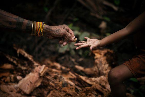 """Etienne Desclides  """"Mentawai Now""""    http://etienne.desclides.net/"""