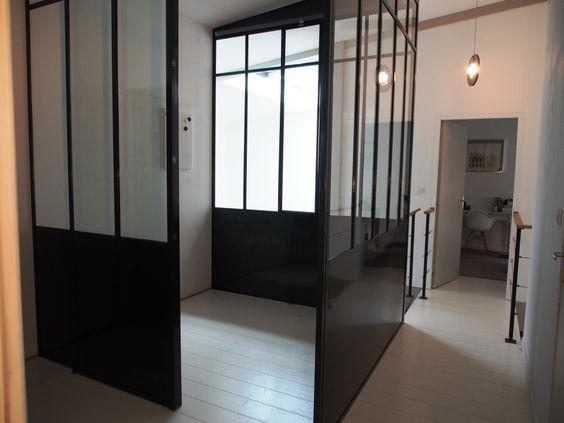 Verri re d 39 atelier en acier brut verni porte sur rail for Verriere interieure pvc