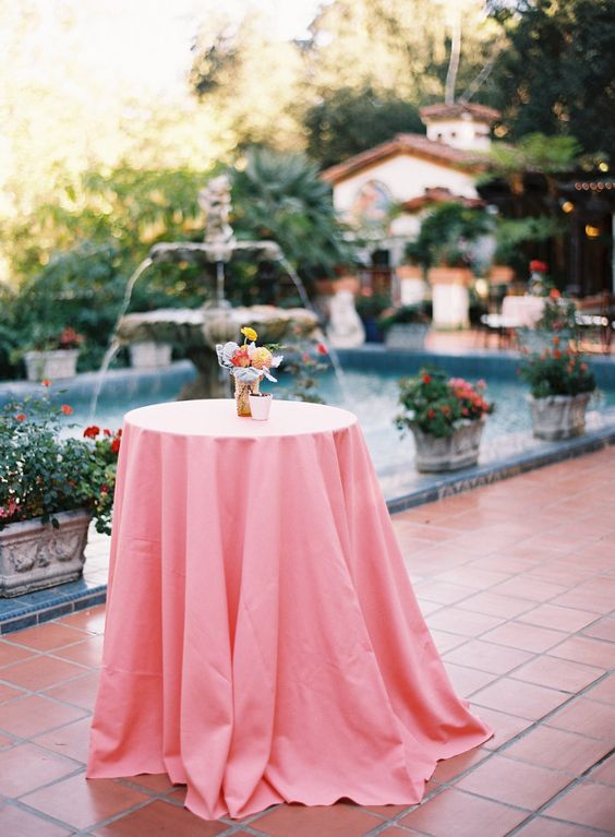 Photography : Ashley Kelemen Photography Read More on SMP: http://www.stylemepretty.com/2016/01/08/colorful-rancho-las-lomas-wedding/