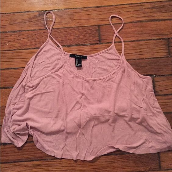 Forever 21 baby pink cropped flowy tank Size medium, excellent condition. Forever 21 Tops Tank Tops