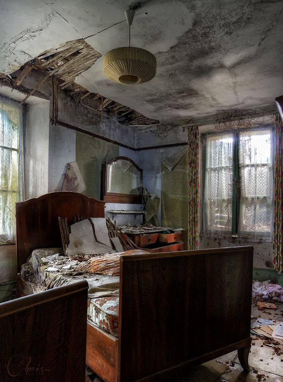 #abandoned and they left the bed and linens..: