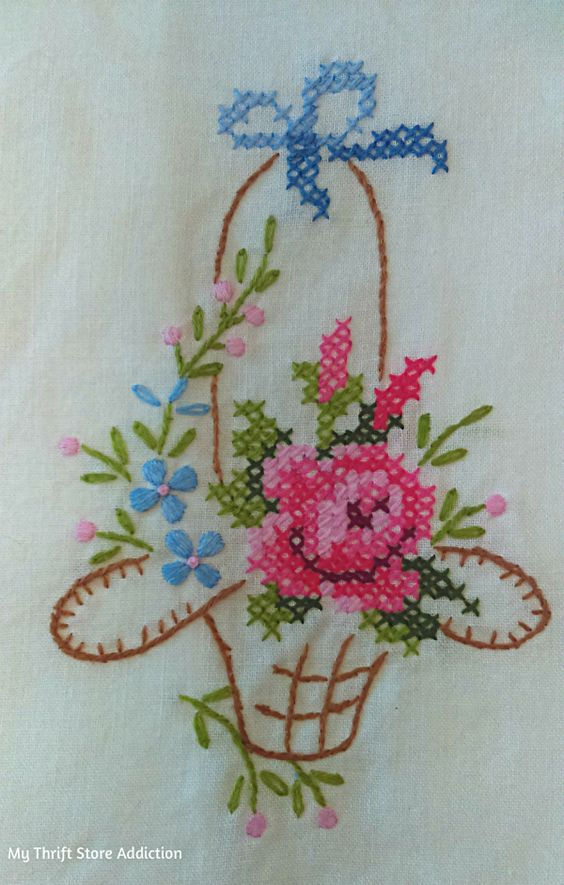 Gorgeous vintage cross stitch tea towel, just one of this week's fabulous yard sale finds!…