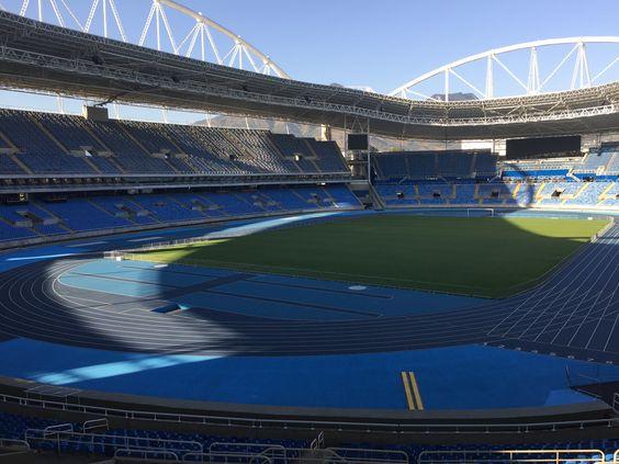 Lindo na foto, mas em ajustes finais;  veja o Engenhão, palco de Bolt no Rio #globoesporte