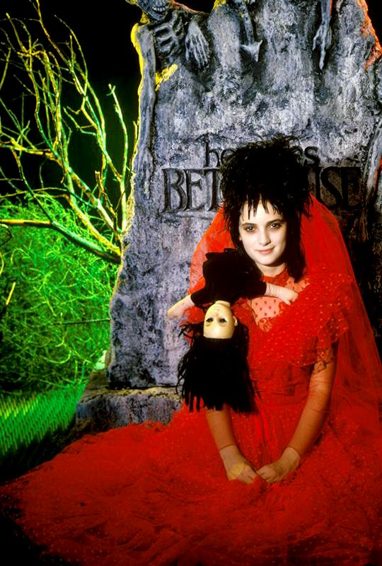 Lydia Deetz, Beetlejuice - Hair reference for Halloween costume ...