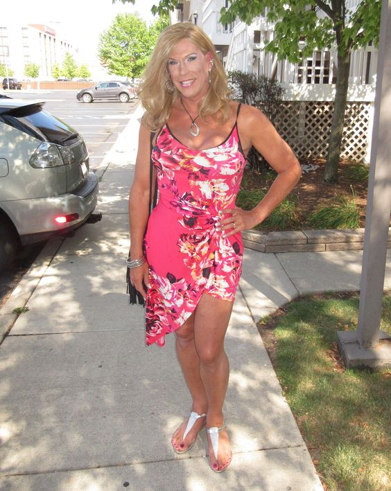 Jenee Davis | Jen -1 DTGI Mk VII | My first pic from the Detorit TG Invasion Mark VII... OMG this was soooooo fun!!  Do you like my dress?