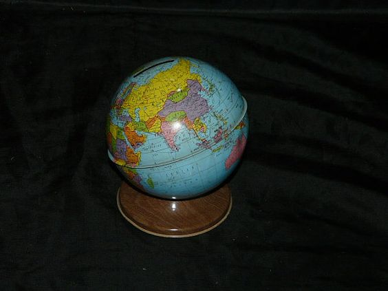 Metal World  globe map coin  make toy by Ohio Art co.