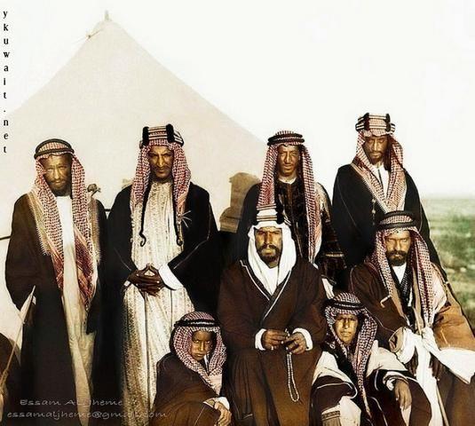 صور نادرة للملك عبدالعزيز وأبناءه Napkin Rings Body