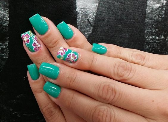 beautiful-floral-nail-art-ideas-for-acrylic-nails-2017